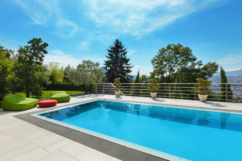 47441507 - beautiful house, swimming pool nobody inside, summer day